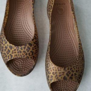 Croc leopard print jelly flats open toe size 6